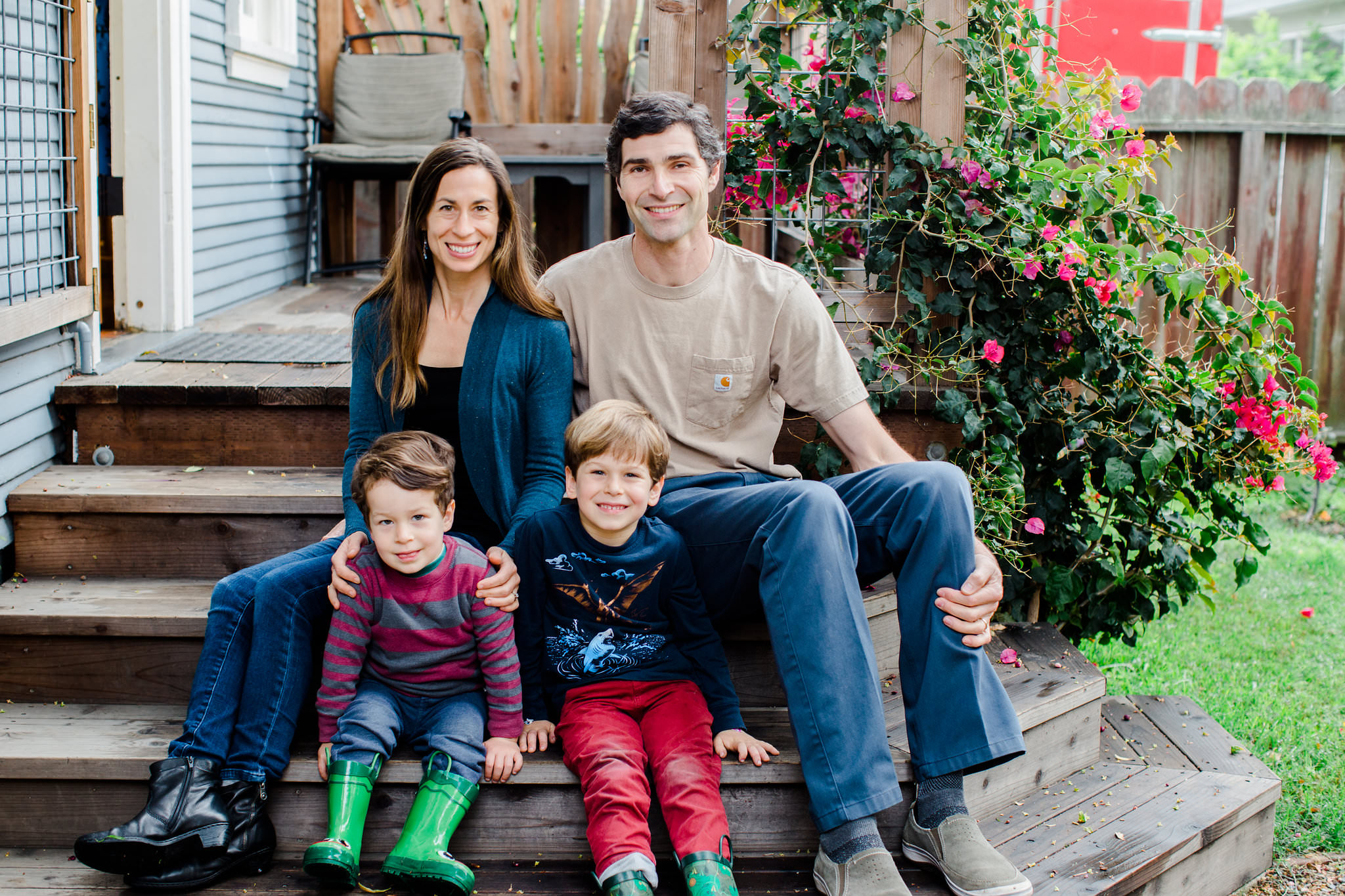 Family photo session at tiny house in San Francisco